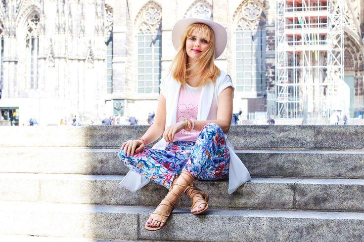 Madison Coco, Onlinemagazin, Blogger Netzwerk, your daily treat, fashion, madisoncoco.de, gladiator Sandalen, Sommer Trend, Sommer Look mit weißem Hut