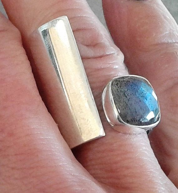Labradorite adjustable ring,Minimal  ring ,Gemstone ring,blue to green flash…