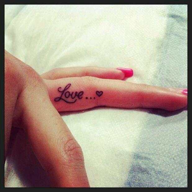 "Finger tattoo ""Love"""