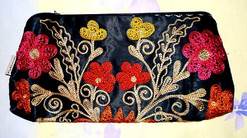 Продажа Клатч основа шелк, машинная тамбурная вышивка -1500руб.