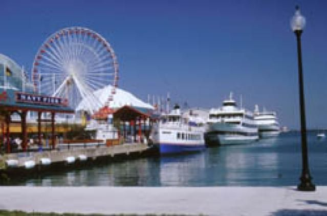 8 Must-See Tourist Attractions in Chicago: Navy Pier