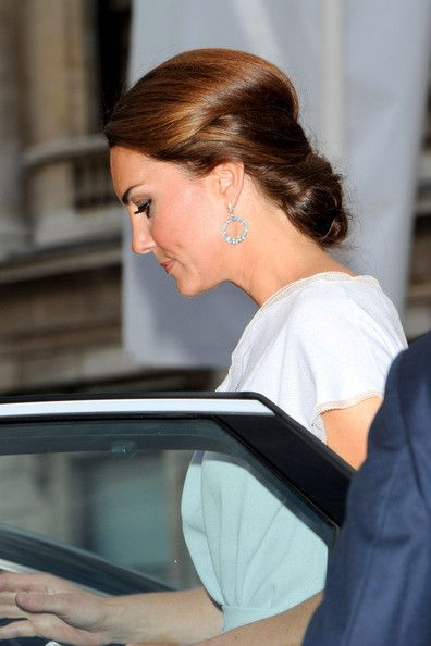 Kate Middleton ChignonChocolates Trifles, Duchess Of Cambridge, The Duchess, Chignons Hairstyles, Updo Hairstyles, Hair And Beautiful, Kate Middleton, Wedding Hairstyles, Middleton Chignons