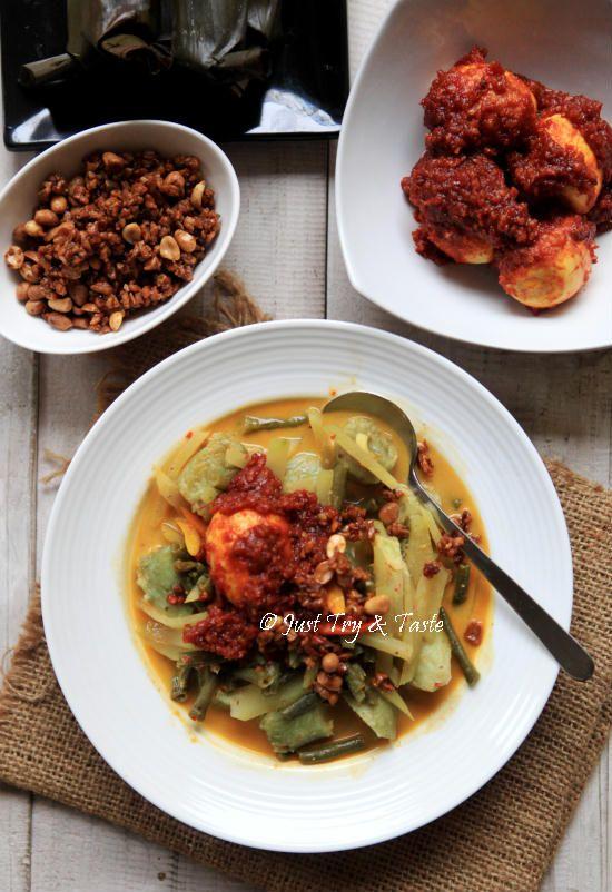 Just Try & Taste: Resep Lontong Sayur dengan Telur Balado