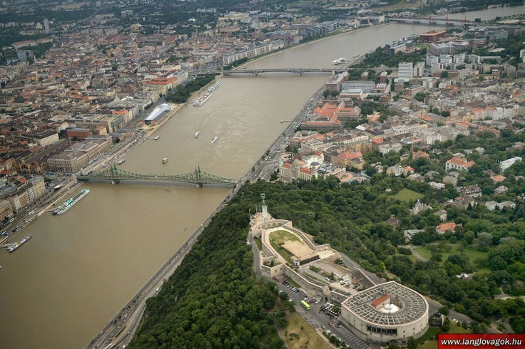 Budapest | Flood 2013. Aerial Photostream. credit: Lánglovagok. Follow on Fb https://www.facebook.com/BudapestPocketGuide & on Google+ @ https://plus.google.com/115990222400409382986/posts  #budapest #flood #aerial