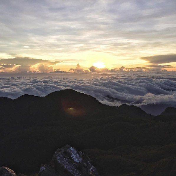 Esta es la increíble vista que tendrías desde la Cima del Volcán Barú. Y ahora puedes llegar allá arriba con #WanderPanther Foto de @giulioiannelli Escríbenos a concierge@wanderpanther.com #Adventure #Panama