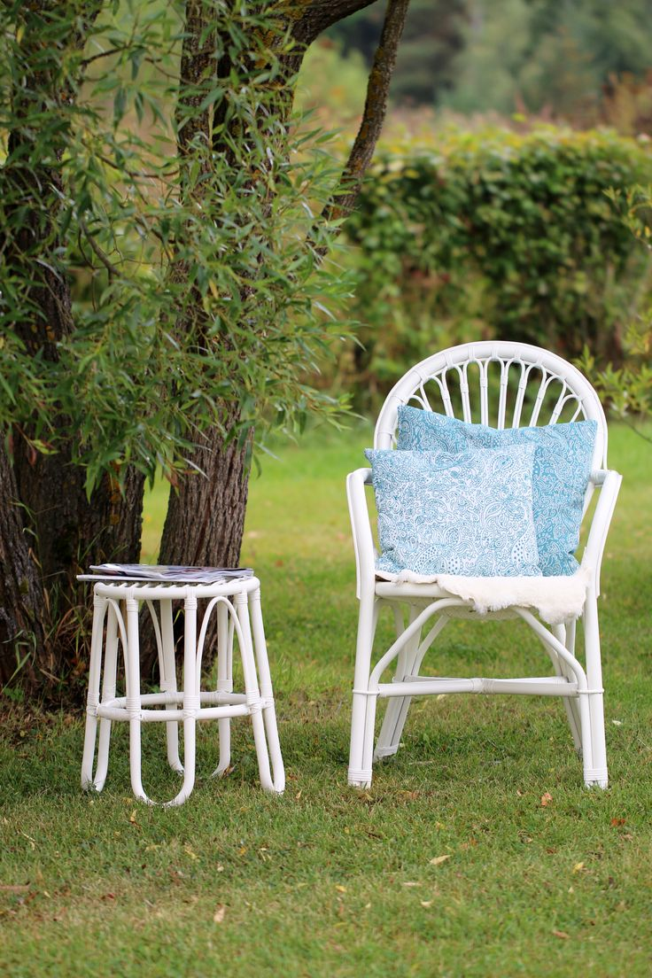 Paris tuoli valkoinen, Lumikenkä jakkara valkonen