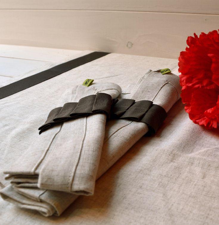 Runner tavola misto lino sabbia, 2 tovaglioli, 2 portatovaglioli.  Made in Italy. Disponibile su disirlab.it