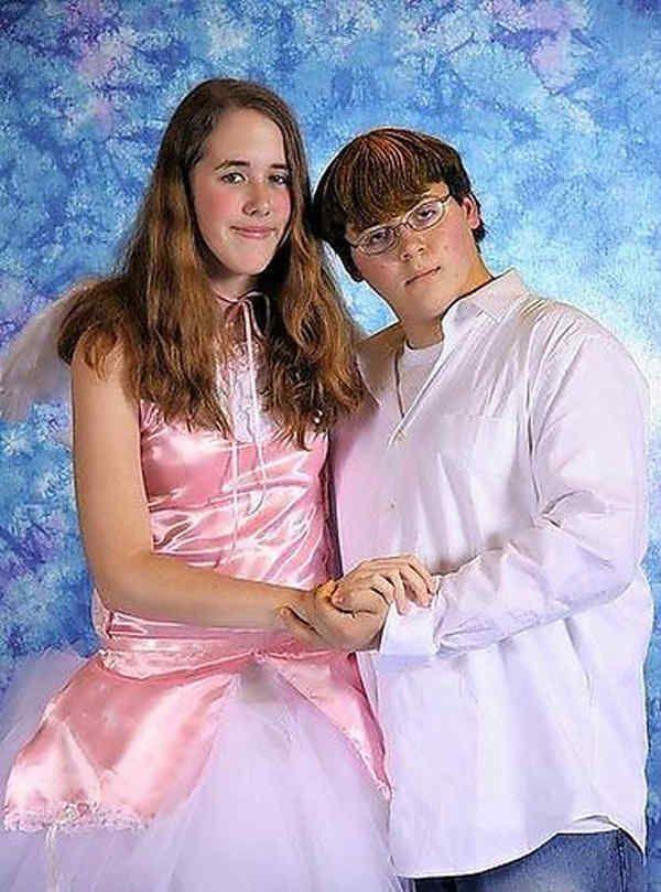 Most Embarrassing Prom Photos Ever
