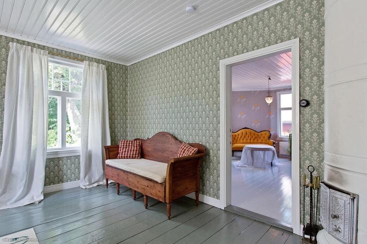 Lattiat voi olla eri väriset eri huoneissa...