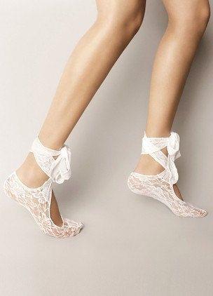 Danza nuziale nuziale scarpe pantofole, bianco abiti da sposa partito damigella d'onore, calze di pizzo.