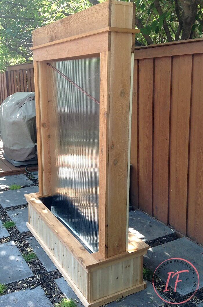 Diy Outdoor Water Wall Privacy Screen In 2020 Outdoor Wall Fountains Water Wall Diy Water Walls