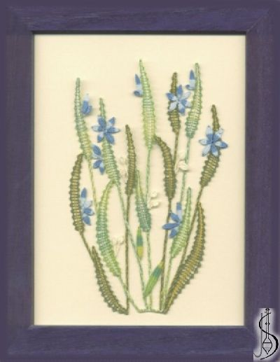 Blossom No. 10118 Blue frame with glass, dimensions 15 x 20 cm, frame selection: yellow, blue, green, red, cinnamon, colored / white lace Price: € 29 ............................ Protected by copyright!