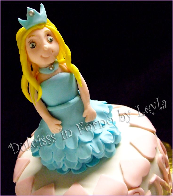Torta Principessa – Princess Mini Cake, decorata in pasta di zucchero