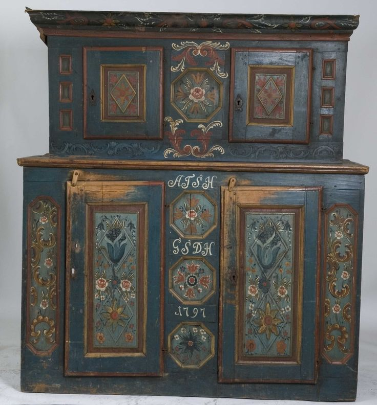 Painted Norwegian folk art cabinet, marked with the year 1797. From Telemark, Norway.