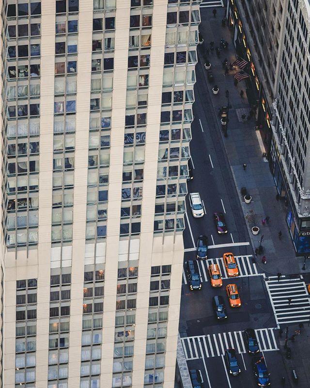 #brooklyn #beautifuldestinations #destination #roadtrip #creativephotography #creativephotographer #travel #people #storyteller #elegance #instatravel #instadestination #instagood #instadaily #instamood #instalike #instapic #cp_sofikitis #instalifo #people #photojournalism #urban #newyork #city #colorful #colors #streetview