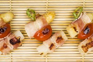 Mini BBQ-brochettes van Breydelspek en asperges