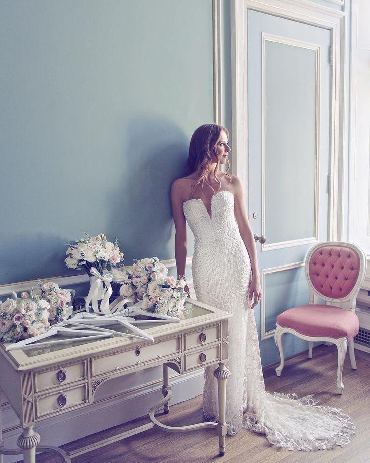Gorgeous strapless wedding gown beaming with modern elegance. #straplessweddingdress #moderneeddinggown