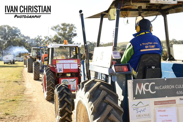 2014 Tractor Trek - Leaving the Canowinda Showgrounds - Ivan Christian Photography http://ivanchristianphotography.com/