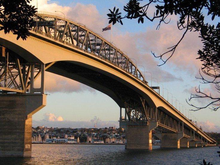 Auckland Harbour Bridge - Fullers Harbour Cruise