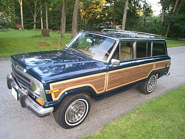 old Jeep Grand Wagoneers with wood paneling - 213 Best Woody Wagons ~ Images On Pinterest