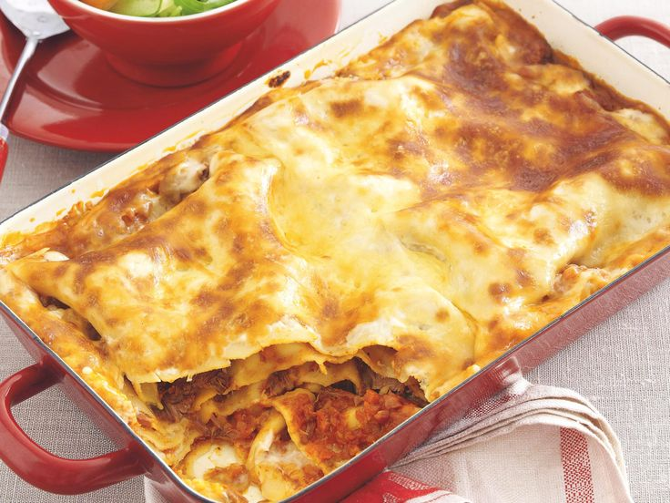 The ultimate comfort food, whip up a gorgeous homemade lasagne dish for your family tonight. Layered with chunky beef pieces, tender pasta and a cheesy sauce, it is packed full of flavour.