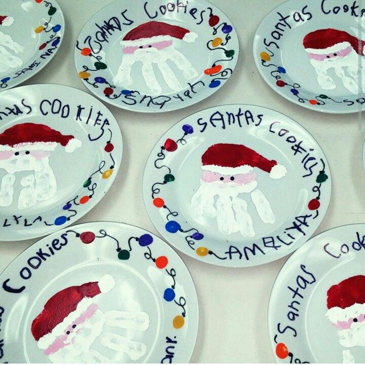 Santas Cookies #Plates #DYI Christmas Art Project  Paint with Acrylic paint and bake for 30 minutes. Let dry and spray with acrylic spray. Can make any variation on plate!! Easy and fun for preschoolers!!!