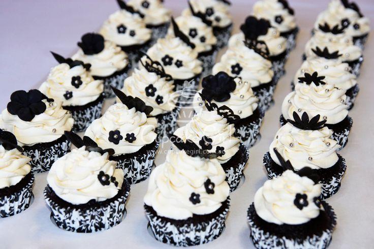 Black & White Cupcakes