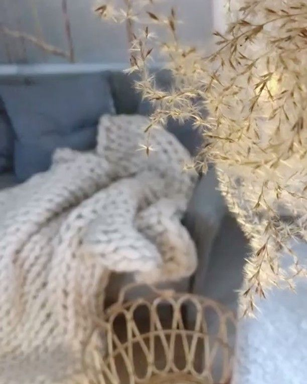 [New] The 10 All-Time Best Home Decor (Right Now) – Cheap by Trena Pino –  We love everything about this video : the music the Christmas vibe  the #setup and especially those #sexy legs @cudeea . . . . #christmas #vibe #chunkyknitblanket #merinowool #giantyarn #wooladdicts #scandinavianstyle #homedecor #lanamerino #madeinro #cozyhome #soft #staywarm #winter #sexylegs #tattoo #cat #catsofinstagram #blankiepeople #blankieromania