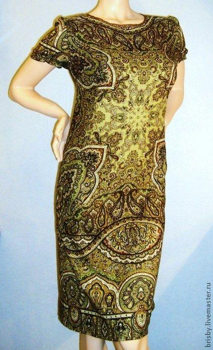 """Платье из павловопосадского платка """"Ларец самоцветный"""" - оливковый,пейсли"""