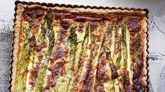 Recette de quiche aux asperges et au parmesan.