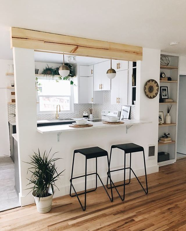 Zeitgenössische Küchenrenovierung von Sarah von Arbor & Company