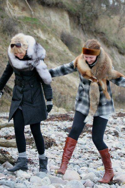 2 girls with fox pelts fur foxfur scarf pelt