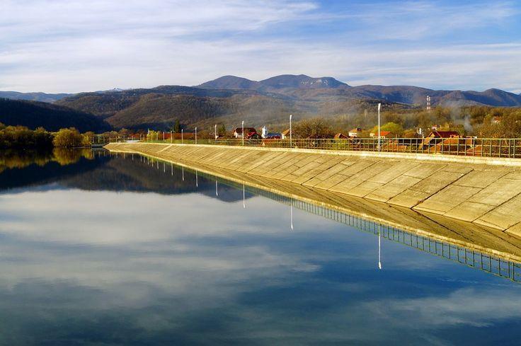 Lake Tismana by Costin Mugurel on 500px