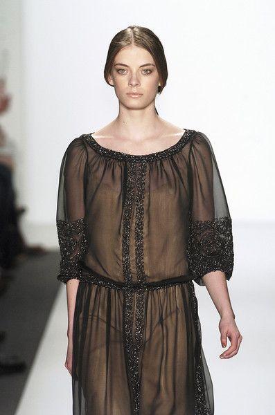 Reem Acra gown for Alayne Stone