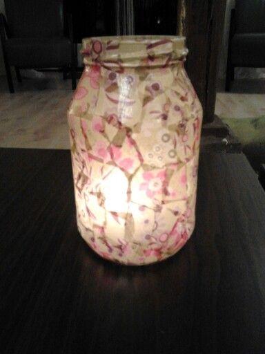 Glazen (jam) potje, wat decopatch papier, lijm en tadaa een superleuk sfeerlichtje!
