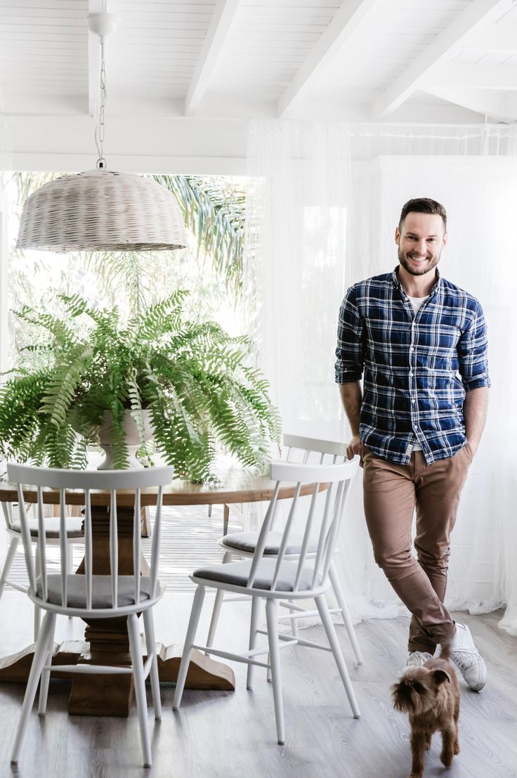 step inside Darren Palmer's beach-inspired home in Bondi. Photography by Maree Homer. Styling by Darren Palmer & Jono Fleming. From the September 2017 issue of Inside Out Magazine. Available from newsagents, Zinio, https://au.zinio.com/magazine/Inside-Out-/pr-500646627/cat-cat1680012#/  and Nook.