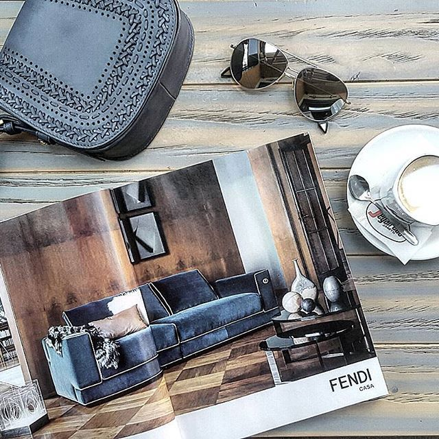 Is it just me... or does coffee taste better on Friday mornings? ☕☺ #decoholic #morningcoffee #coffeetime #coffeeandmagazines #coffeeaddict #fendihome #fendicasa #fendi #bohobag