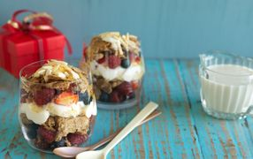 Christmas Brekkie Parfait Christmas Brekkie Parfait is a fresh and delicious way to kick off Christmas morning. High in fibre and iron, it's a nutritious breakfast that's the perfect start to a day of festivities.
