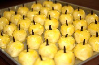 Kue Nastar Lebaran - Hari Raya Lebaran yang istimewa tentunya disiapkan dengan hidangan kue yang istimewa juga. Kue nastar merupakan salah satu hidangan kue kering khas hari raya