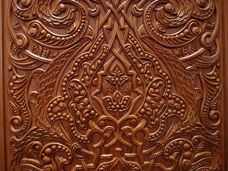 Detail of the door to the Ladies Prayer Hall, inside the Sultan Qaboos Grand Mosque (Muscat, Oman).