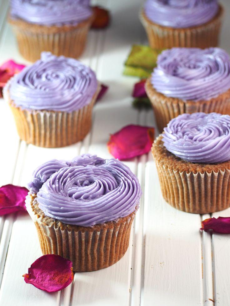 Ube Cupcakes with Ube Swiss Meringue Buttercream - Woman Scribbles