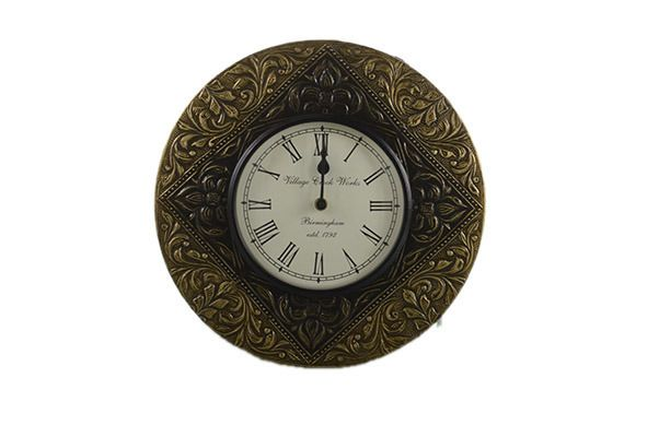 Handcrafted Engraved Exclusive Wall Clocks!  By Lalji Handicrafts  #worldwideshipping #wallart #decoration #shabbychic #clock #etsy #homedecor #handmade #urbanart #clockdesign #walldecor #walldesign #architectslondon #interiordesigners #chicinterior #homedesign #instahome #instadecor #wallclock #homeinterior #decoracao #urbanwalls #diestadtberlin #londoncity #londonlife #mexico  #clocks