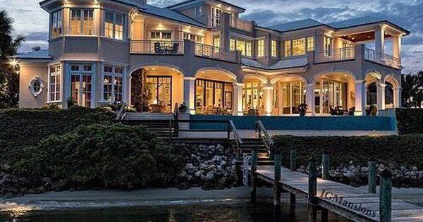 Luxurious beach house!