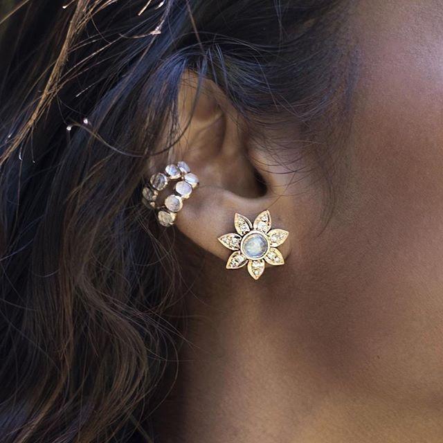Blooming beauties 🌸💫 Antique moonstone flower stud with moonstone ear bands ✨ #JACrystals