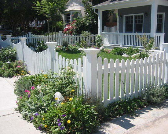 White picket fence with decorative corner posts white - Fence designs for front yards ...