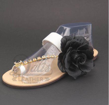 Μαύρο Λουλούδι Σατέν, Χρυσή Αλυσίδα κρύσταλλα Swarovski, Μαύρη Πέρλα με Στρας #Swarovski #sandals #leathersandals #accessories #handmadesandals