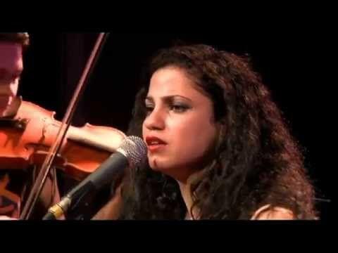 Naci en Palestina آمال مثلوثي