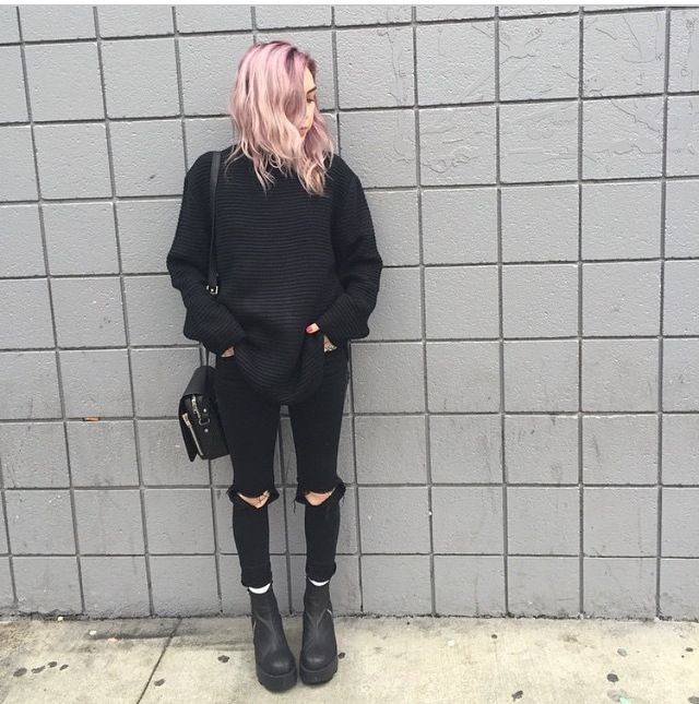 women who wear all black live colorful lives ♥♥