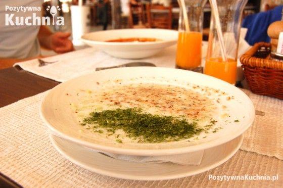 #przepis na bułkagski chłodnik czyli tarator z jogurtu z orzechami, ogórkami i koperkiem  http://pozytywnakuchnia.pl/tarator-bulgarski-chlodnik/  #kuchnia #obiad #ogorki