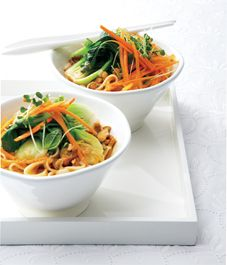 Shangai noodles with baby bok choy in red curry sauceSauces Recipe, Fish Sauces, Red Curries, Curries Noodles, Shangai Noodles, Sauce Recipes, Food, Curries Sauces, Shanghai Noodles